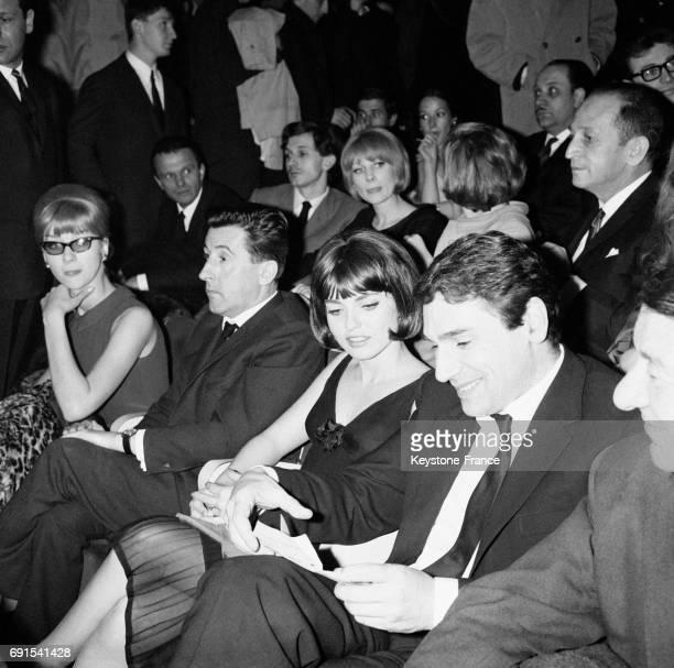 Jean Lefebvre MarieFrance Pisier et le réalisateur Robert Hossein à la première du film 'La mort d'un tueur' à Paris France le 1er avril 1964