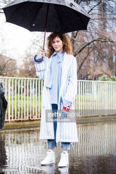 Jean Linovich is seen in the streets of Paris before the Balenciaga show during Paris Fashion Week Womenswear Fall/Winter 2017/2018 on March 5 2017...