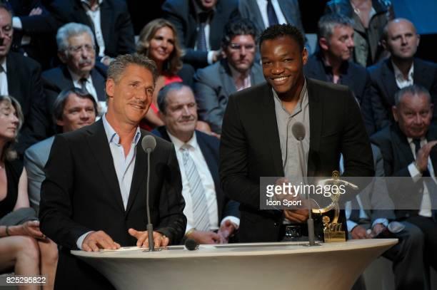 Jean Luc ETTORI / Steeve MANDANDA Meilleur gardien de but Ligue 1 Trophee UNFP 2011