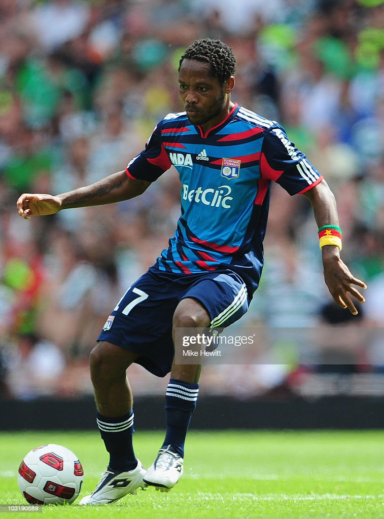 <a gi-track='captionPersonalityLinkClicked' href=/galleries/search?phrase=Jean+Makoun&family=editorial&specificpeople=807728 ng-click='$event.stopPropagation()'>Jean Makoun</a> of Lyon in action during the Emirates Cup match between Celtic and Lyon at Emirates Stadium on July 31, 2010 in London, England.