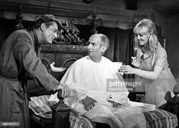 Jean Marais Louis de Funès et Mylène Demongeot dans une scène du film 'Fantômas contre Scotland Yard' rélaisé par André Hunebelle en France le 10...