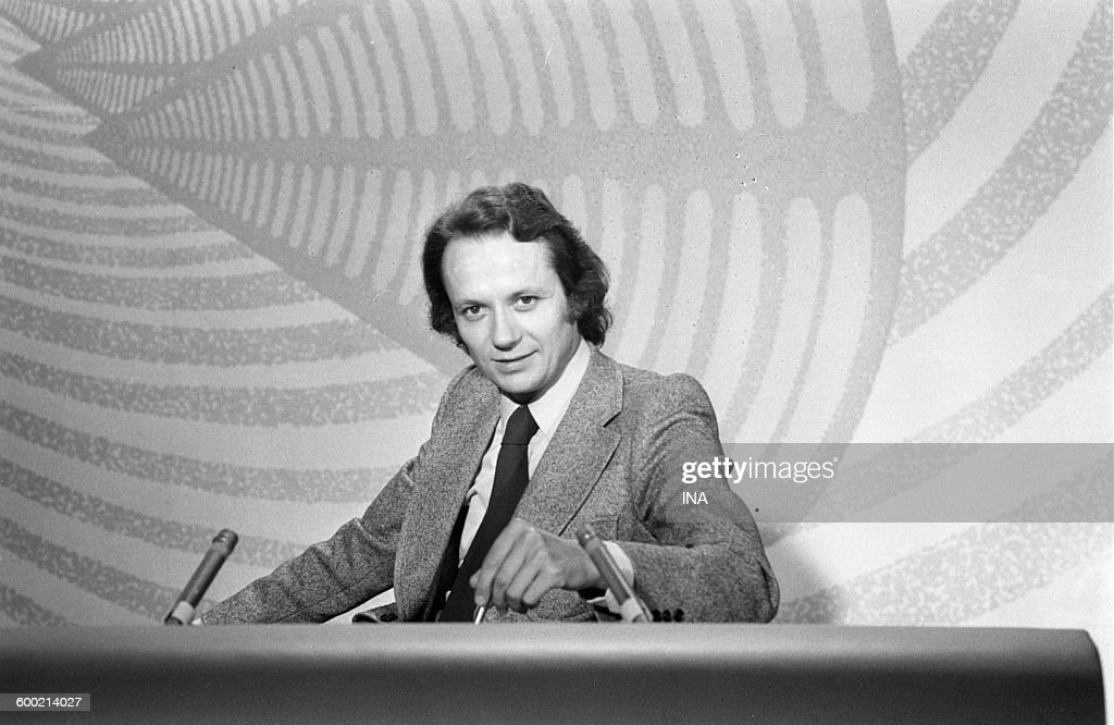 Jean Marie Cavada on the set of the television news of the second channel.