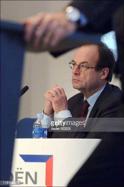 Jean Martin Folz CEO of PSA presents the group's annual results in Paris France on August 01 2006