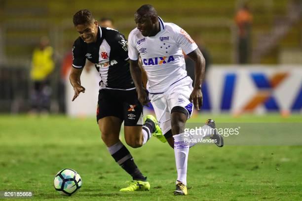 Jean of Vasco da Gama struggles for the ball with Sassa of Cruzeiro during a match between Vasco da Gama and Cruzeiro as part of Brasileirao Series A...