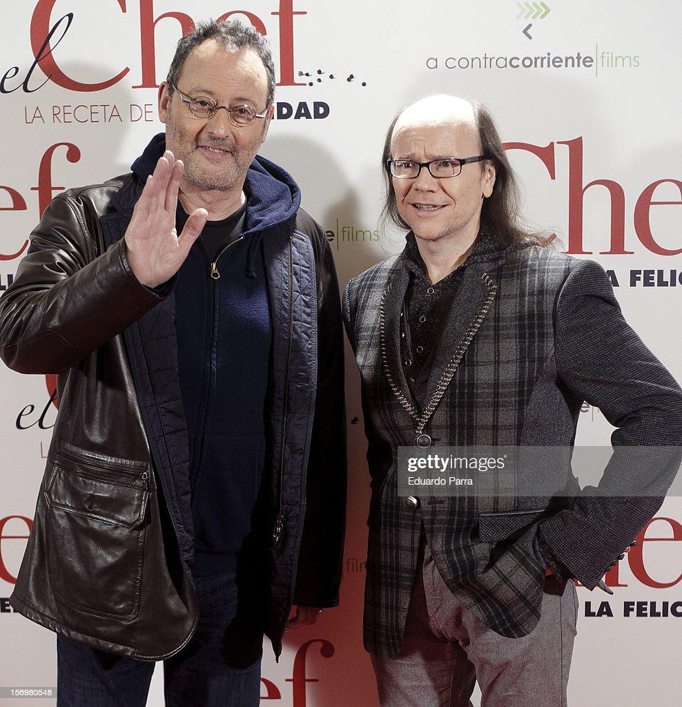 Jean Reno (L) and Santiago Segura attend 'El chef, la receta de la felicidad' ('Comme un chef') premiere photocall at Palafox cinema on November 26, 2012 in Madrid, Spain.