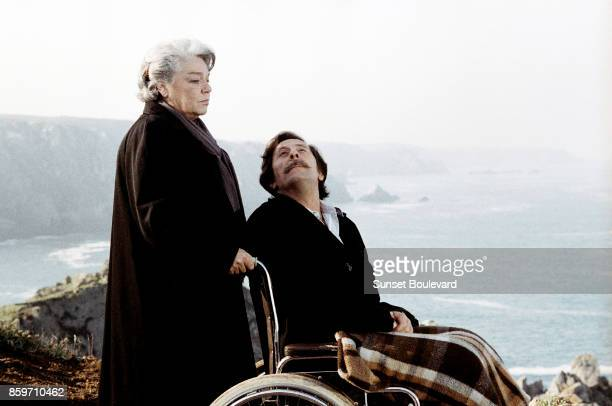Jean Rochefort and Simone Signoret on the set of 'Chere Inconnue' directed by Moshe Mizrahi