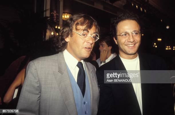 Jean Roucas et Arthurlors de la presentation de la grille de rentree de TF1 le 25 aout 1992 a Paris France