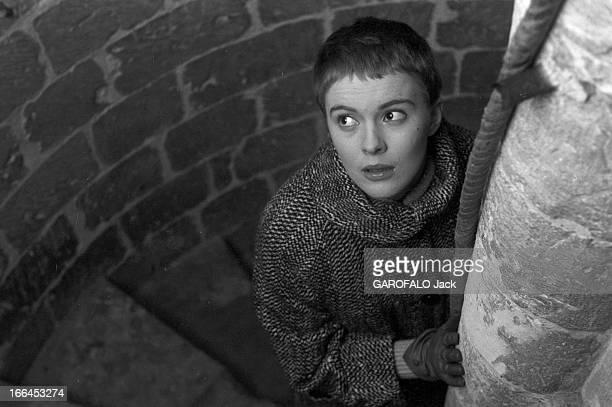 Jean Seberg In France In The Footsteps Of Joan Of Arc Pour sa première visite en France Jean SEBERG qui interprète le rôle de Jeanne d'Arc dans le...