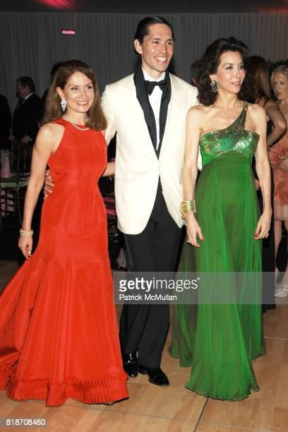 Jean Shafiroff Edmundo Huerta and Fe Fendi attend THE CONSERVATORY BALL at The New York Botanical Garden on June 3 2010 in New York City