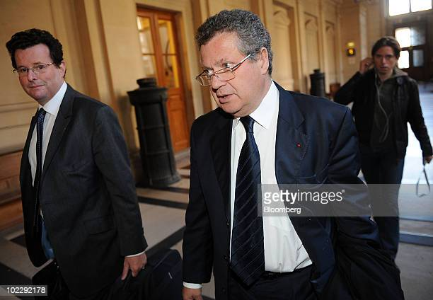 Jean Veil lawyer for Societe Generale SA center arrives at the courthouse in Paris France on Tuesday June 22 2010 Jerome Kerviel's last boss at...
