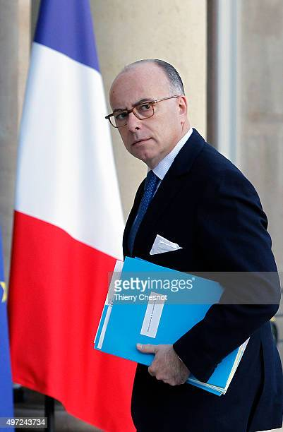 Jean Yves Le Drian French Minister of Defence arrives at the Elysee Presidential Palace for a meeting on November 15 2015 in Paris France French...