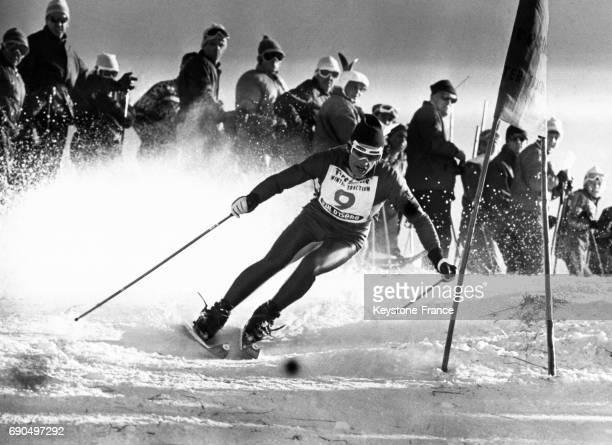 JeanClaude Killy photographié pendant l'épreuve du slalom géant de la Coupe Henri Oreiller à Val d'Isère France le 18 décembre 1967