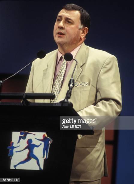 JeanClaude Mallet president de la CNAM Caisse Nationale d'AssuranceMaladie aux 6es journees de l'assurancemaladie le 28 juin 1993 a Nantes France