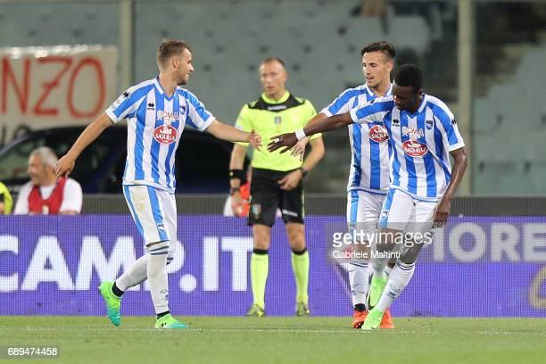 JeanCristophe Bahebeck of Pescara Calcio celebrates after scoring a goal during the Serie A match between ACF Fiorentina and Pescara Calcio at Stadio...