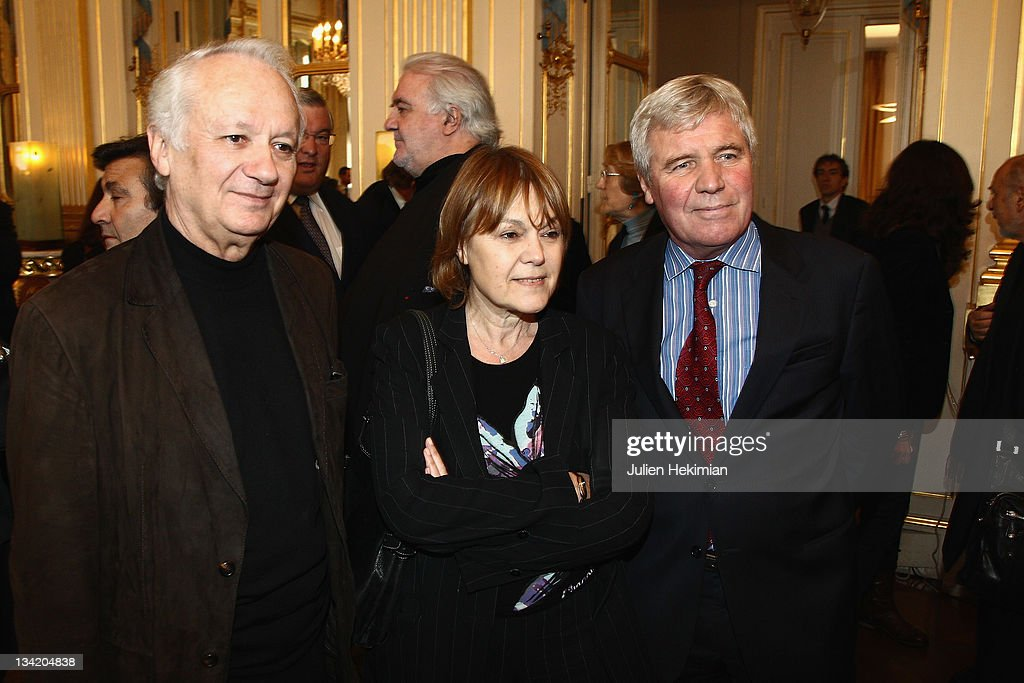 <a gi-track='captionPersonalityLinkClicked' href=/galleries/search?phrase=Jean-Marie+Cavada&family=editorial&specificpeople=687415 ng-click='$event.stopPropagation()'>Jean-Marie Cavada</a>, Marie-Laure Augry and Bruno Masure attend the Herve Bourges ceremony at the ministry of culture on November 28, 2011 in Paris, France.