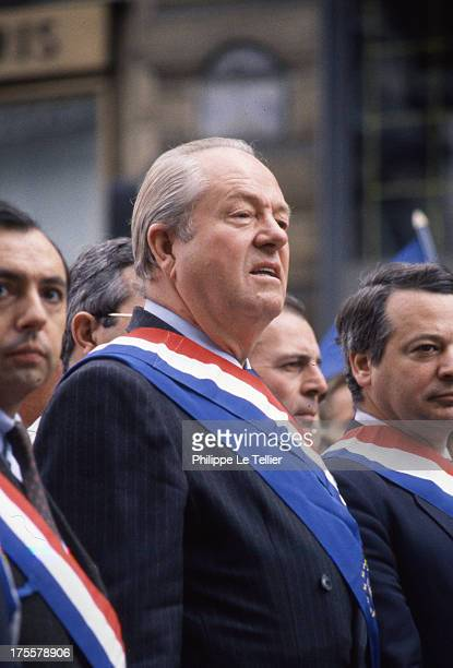 JeanMarie Le Pen and the National Front before the statue of Jeanne d'Arc in Paris 1988 Jean Marie Le Pen Bruno Megret Jean Marie Stirbois 1 May 1988...