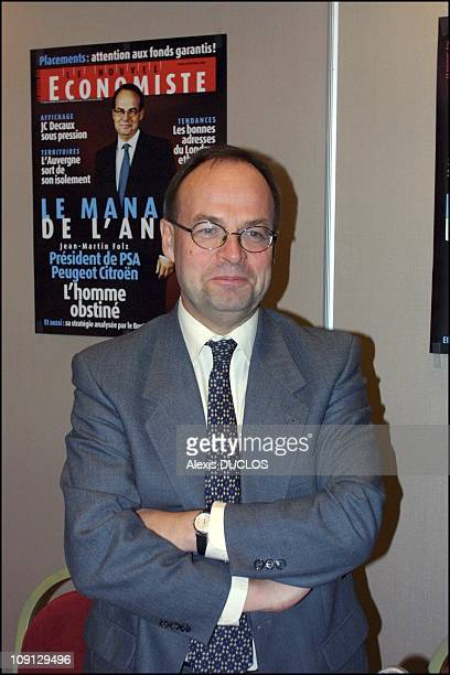 JeanMartin Folz Ceo Of Psa Peugeot Citroen Elected 'Manager Of The Year 2001' By The 'Nouvel Economiste' Magazine On November 20Th 2001 In Paris...