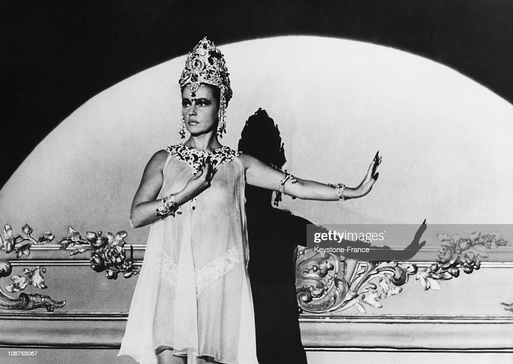 Jeanne Moreau As Mata Hari In 1964