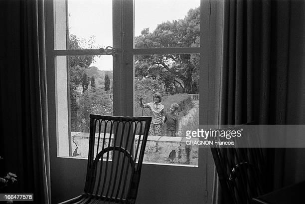 Int rieur de maison stock photos and pictures getty images for Interieur maison 1960