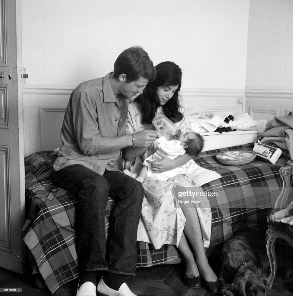 Jean-Paul Belmondo, his wife and their daughter Patricia. Paris, July, 1959. ADR