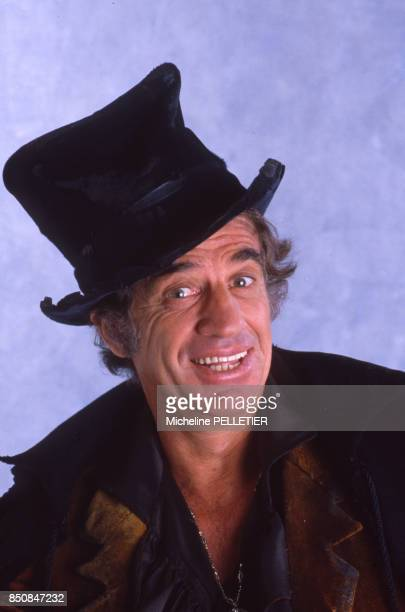 JeanPaul Belmondo pour son retour en scène dans 'Kean' au théâtre Marigny en février 1987 à Paris France