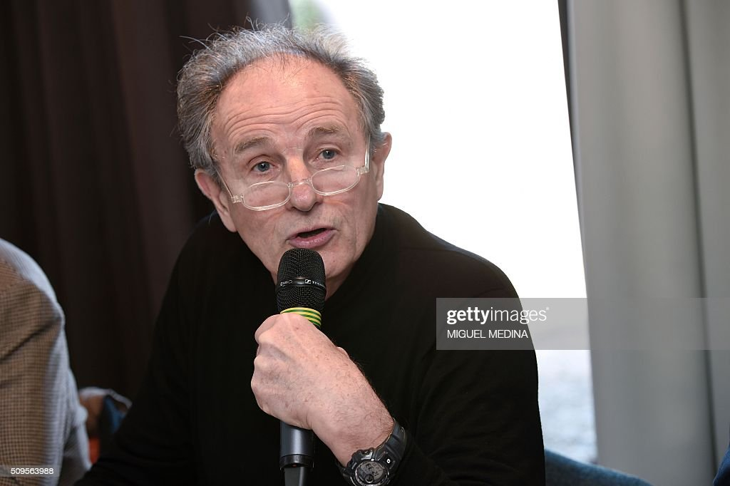Jean-Paul Hamon , President of the FMF French doctors union speaks during a press conference in Paris on February 11, 2016. AFP PHOTO/ MIGUEL MEDINA / AFP / MIGUEL MEDINA