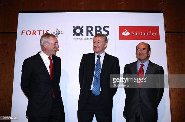JeanPaul Votron left chief executive officer of Fortis Sir Fred Goodwin centre group chief executive of Royal Bank of Scotland Group Plc and Emilio...