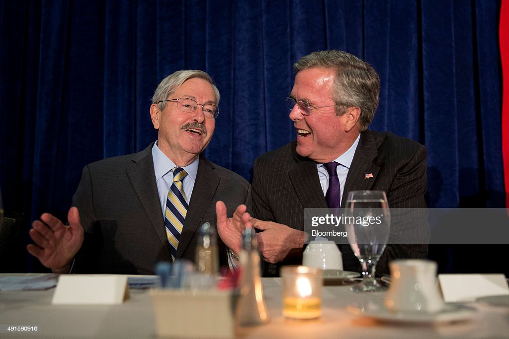 <a gi-track='captionPersonalityLinkClicked' href=/galleries/search?phrase=Jeb+Bush&family=editorial&specificpeople=171487 ng-click='$event.stopPropagation()'>Jeb Bush</a>, former Governor of Florida and 2016 Republican presidential candidate, right, shares a laugh with <a gi-track='captionPersonalityLinkClicked' href=/galleries/search?phrase=Terry+Branstad&family=editorial&specificpeople=985886 ng-click='$event.stopPropagation()'>Terry Branstad</a>, Governor of Iowa, during the Scott County Republican party Ronald Reagan Dinner in Davenport, Iowa, U.S., on Tuesday, Oct. 6, 2015. Bush opened a new front in the nomination fight this week by suggesting Marco Rubio, a former Florida colleague 18 years his junior, doesn't have enough experience to hold the Oval Office. Photographer: Daniel Acker/Bloomberg via Getty Images