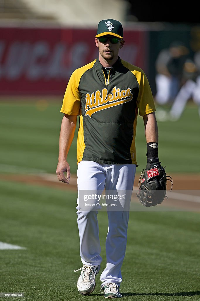 <a gi-track='captionPersonalityLinkClicked' href=/galleries/search?phrase=Jed+Lowrie&family=editorial&specificpeople=4949369 ng-click='$event.stopPropagation()'>Jed Lowrie</a> #8 of the Oakland Athletics during batting practice before the game against the Los Angeles Angels of Anaheim at O.co Coliseum on April 29, 2013 in Oakland, California. The Oakland Athletics defeated the Los Angeles Angels of Anaheim 10-8 in 19 innings.