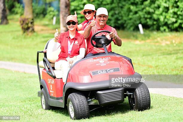 Jeev Milkha Singh captain of Team Asia and supporters pose for photographs during the Foursome Match play at Glenmarie GCC on January 16 2016 in...