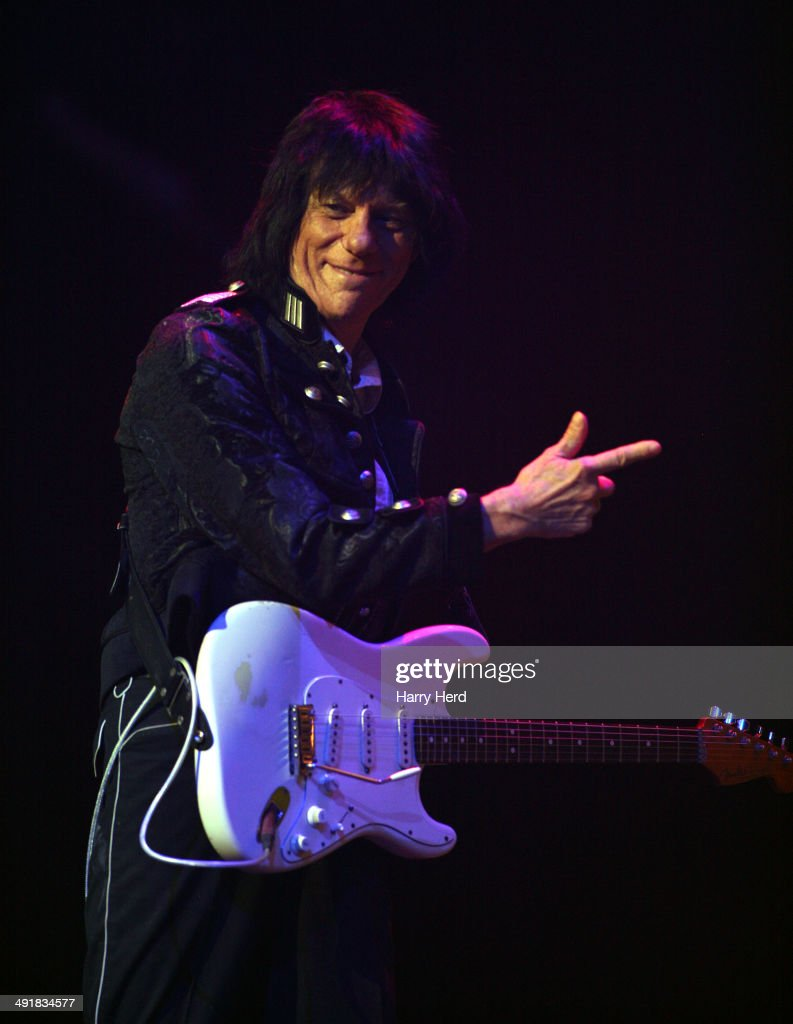 Jeff Beck Performs At New Theatre