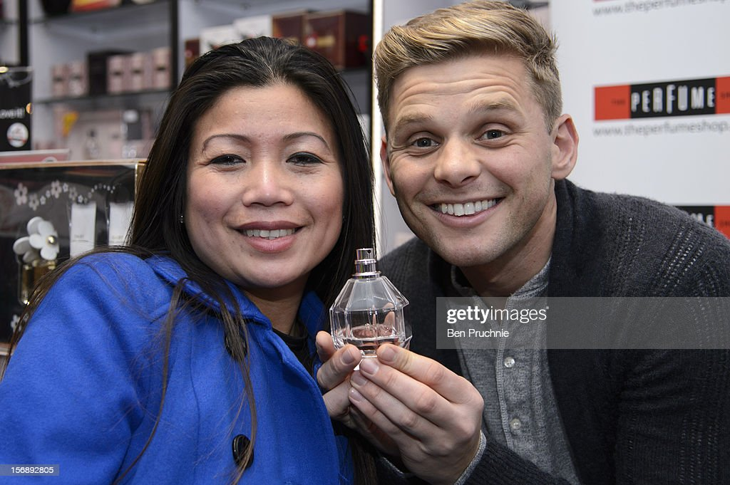 <a gi-track='captionPersonalityLinkClicked' href=/galleries/search?phrase=Jeff+Brazier&family=editorial&specificpeople=658015 ng-click='$event.stopPropagation()'>Jeff Brazier</a> attends the American Express Shop West end VIP Day on November 24, 2012 in London, England.