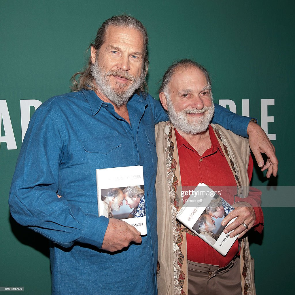 <a gi-track='captionPersonalityLinkClicked' href=/galleries/search?phrase=Jeff+Bridges&family=editorial&specificpeople=201735 ng-click='$event.stopPropagation()'>Jeff Bridges</a> (L) and Bernie Glassman visit Barnes & Noble Union Square on January 8, 2013 in New York City.
