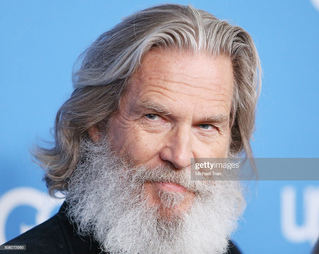 Jeff Bridges arrives a...