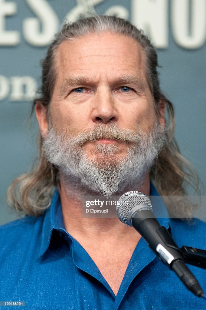 Jeff Bridges visits Barnes & Noble Union Square on January 8, 2013 in New York City.