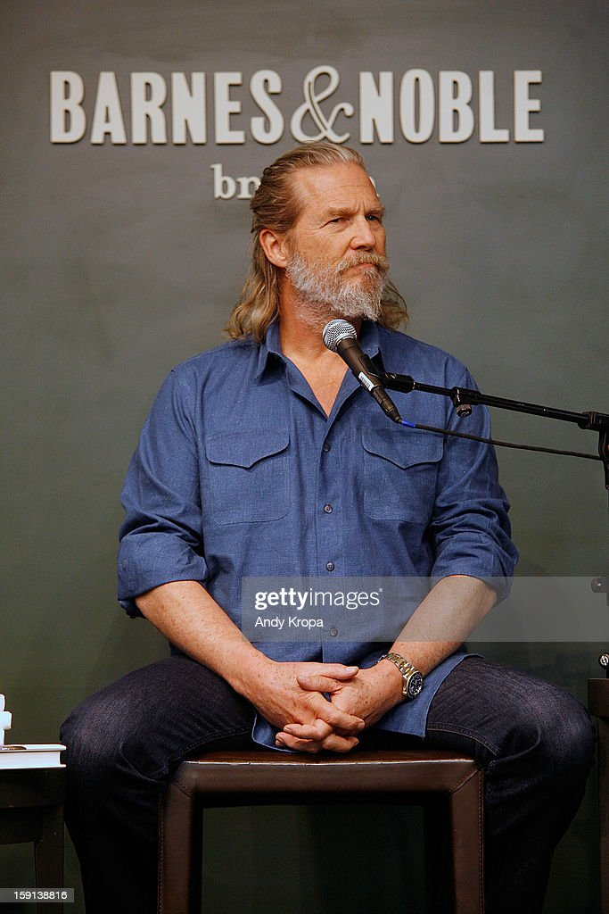 <a gi-track='captionPersonalityLinkClicked' href=/galleries/search?phrase=Jeff+Bridges&family=editorial&specificpeople=201735 ng-click='$event.stopPropagation()'>Jeff Bridges</a> visits Barnes & Noble Union Square on January 8, 2013 in New York City.