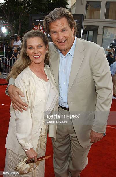 Jeff Bridges Wife during 'Seabiscuit' Premiere at Mann Village Theatre in Westwood California United States