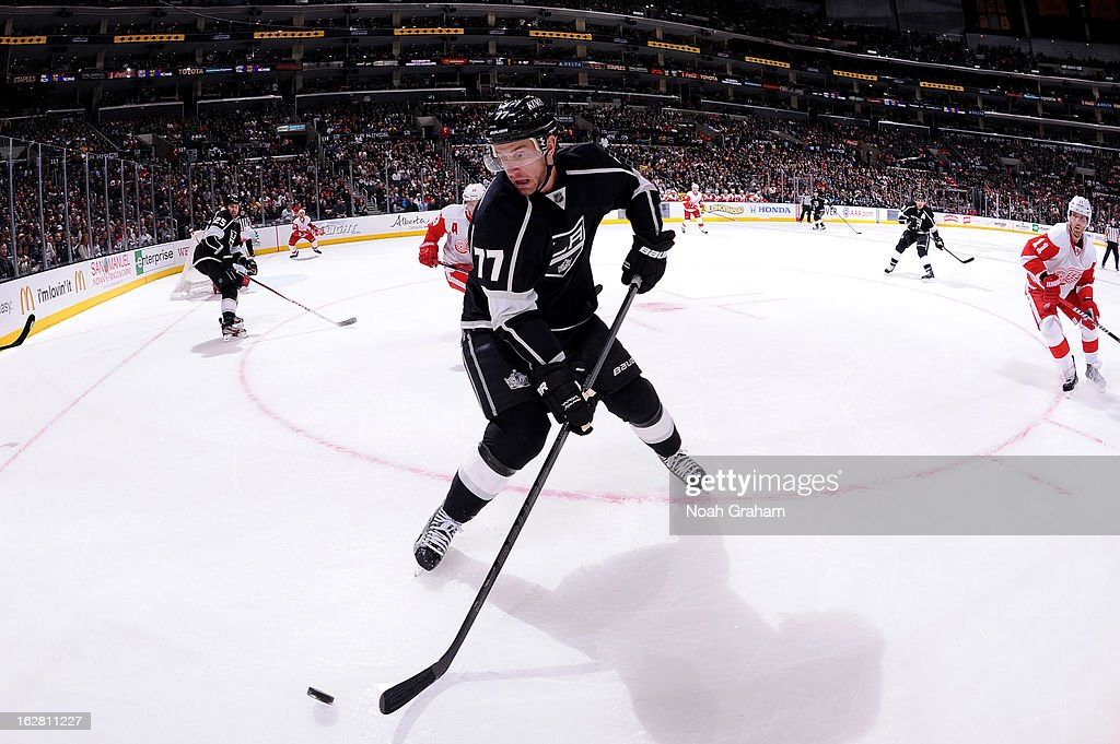 <a gi-track='captionPersonalityLinkClicked' href=/galleries/search?phrase=Jeff+Carter&family=editorial&specificpeople=227320 ng-click='$event.stopPropagation()'>Jeff Carter</a> #77 of the Los Angeles Kings skates with the puck against the Detroit Red Wings at Staples Center on February 27, 2013 in Los Angeles, California.