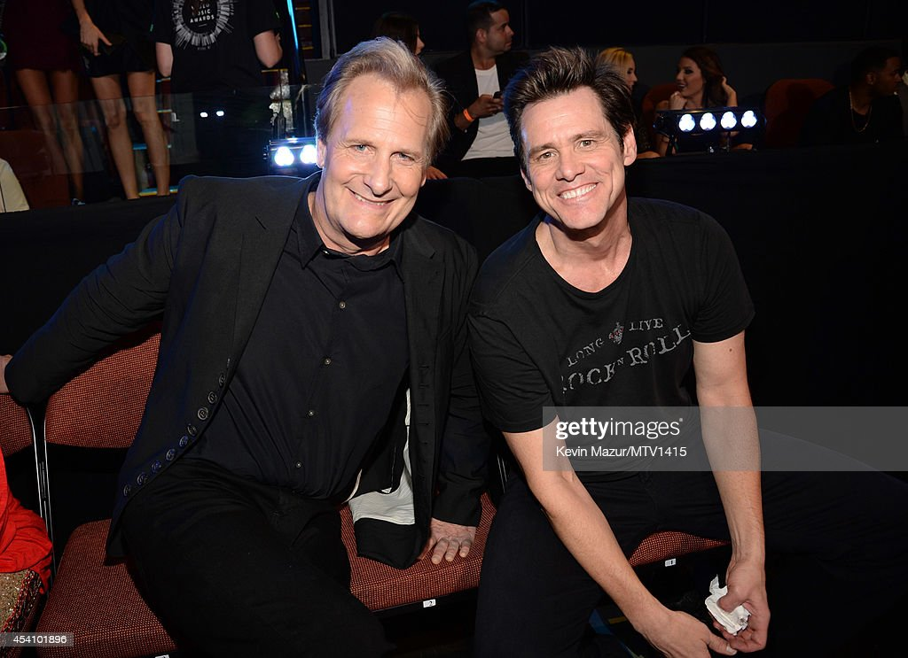 Jeff Daniels and Jim Carrey attend the 2014 MTV Video Music Awards at The Forum on August 24, 2014 in Inglewood, California.