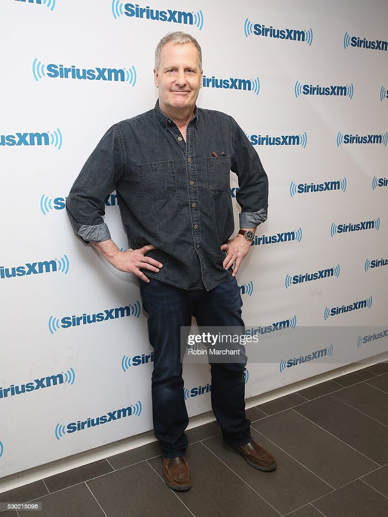 Jeff Daniels visits on May 10, 2016 in New York, New York.