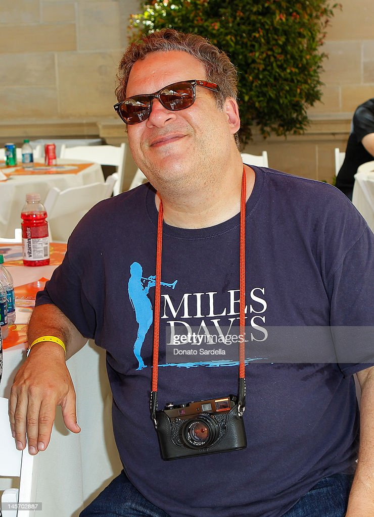 <a gi-track='captionPersonalityLinkClicked' href=/galleries/search?phrase=Jeff+Garlin&family=editorial&specificpeople=223881 ng-click='$event.stopPropagation()'>Jeff Garlin</a> attends 6th Annual Kidstock Music And Arts Festival Sponsored By Hudson Jeans at Greystone Mansion on June 3, 2012 in Beverly Hills, California.
