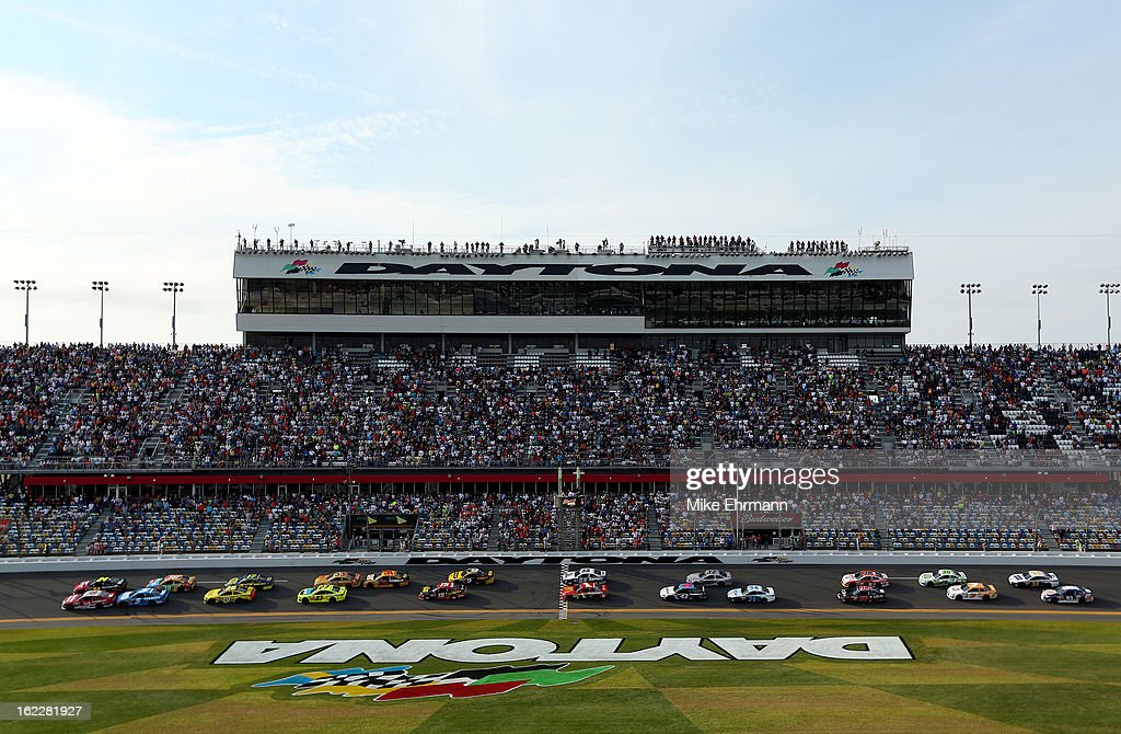 Jeff Gordon, driver of the #24 Drive To End Hunger Chevrolet, and Ryan Newman, driver of the #39 Quicken Loans Chevrolet, lead the field to start the NASCAR Sprint Cup Series Budweiser Duel 2 at Daytona International Speedway on February 21, 2013 in Daytona Beach, Florida.