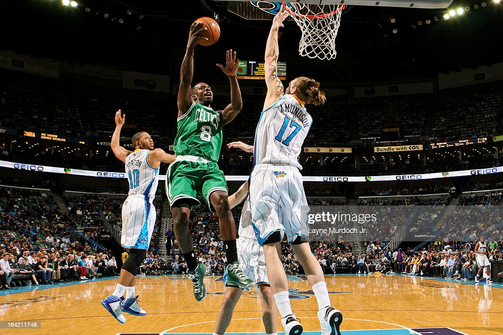Jeff Green #8 of the Boston Celtics drives to the basket against Lou Amundson #17 of the New Orleans Hornets on March 20, 2013 at the New Orleans Arena in New Orleans, Louisiana.