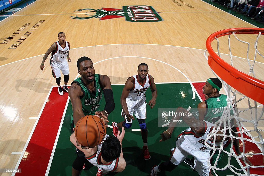 Jeff Green #8 of the Boston Celtics drives to the basket against the Milwaukee Bucks on December 1, 2012 at the BMO Harris Bradley Center in Milwaukee, Wisconsin.
