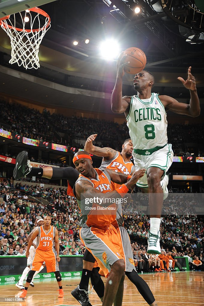 Jeff Green #8 of the Boston Celtics drives to the basket against the Phoenix Suns on January 9, 2013 at the TD Garden in Boston, Massachusetts.