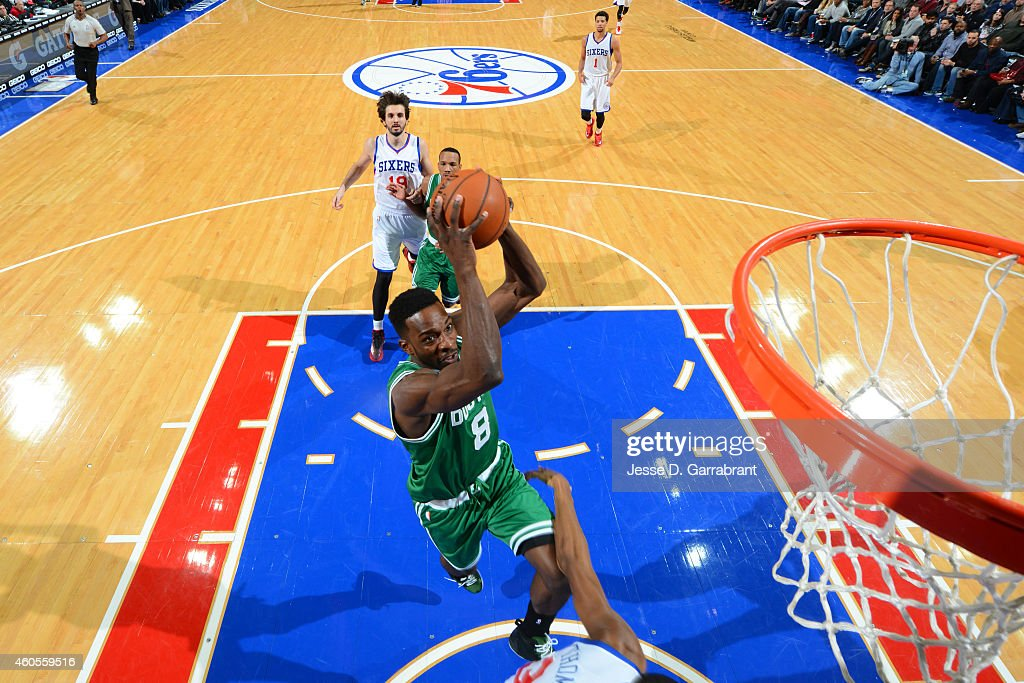 <a gi-track='captionPersonalityLinkClicked' href=/galleries/search?phrase=Jeff+Green+-+Basket&family=editorial&specificpeople=4218745 ng-click='$event.stopPropagation()'>Jeff Green</a> #8 of the Boston Celtics drives to the basket against the Philadelphia 76ers on December 15, 2014 at Wells Fargo Center in Philadelphia, PA.