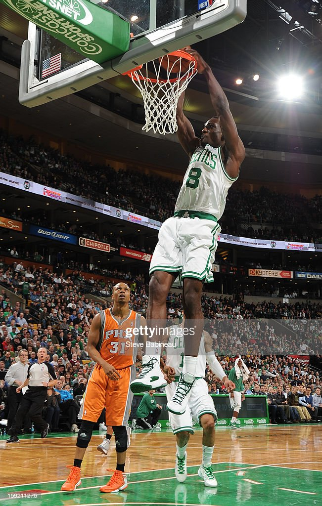 Jeff Green #8 of the Boston Celtics dunks the ball against the Phoenix Suns on January 9, 2013 at the TD Garden in Boston, Massachusetts.
