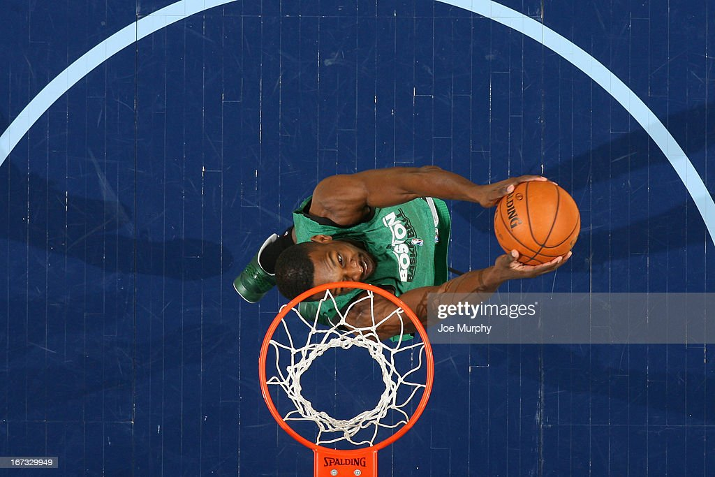 Jeff Green #8 of the Boston Celtics dunks the ball before the game against the Memphis Grizzlies on March 23, 2013 at FedExForum in Memphis, Tennessee.
