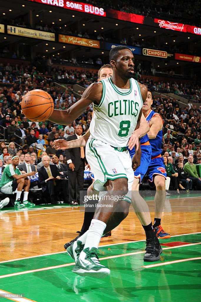 Jeff Green #8 of the Boston Celtics looks to pass the ball against the New York Knicks on March 26, 2013 at the TD Garden in Boston, Massachusetts.