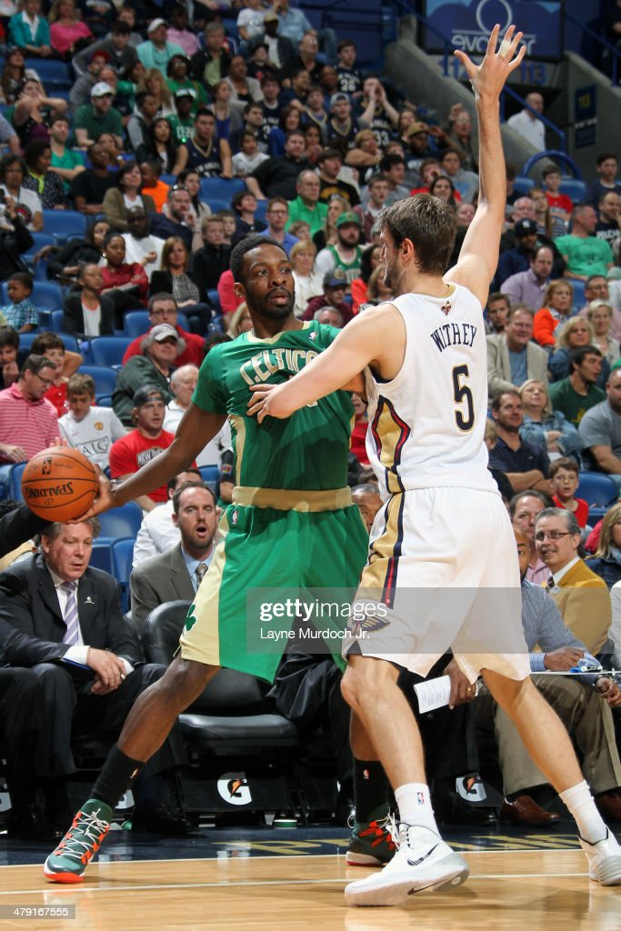 Jeff Green #8 of the Boston Celtics looks to pass the ball against the New Orleans Pelicans during an NBA game on March 16, 2014 at the Smoothie King Center in New Orleans, Louisiana.